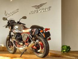 热那亚的浪漫 实拍Moto Guzzi V7 Racer